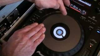 DJ Tutorial Pioneer CDJ in relation to a vinyl turntable