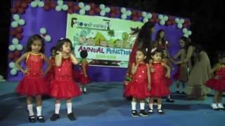 Papa Mere Papa. Kids performance