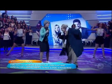 Thaeme E Thiago Topam Desafio E Cantam Fantasiados De Velhinhos