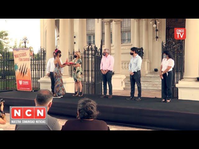 """CINCO TV - Julio Zamora reconoció la labor de educadores del programa """"Maestros con Garra"""""""