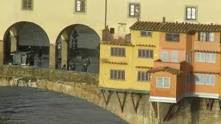 ヴェッキオ橋・ヴァザーリの回廊(フィレンツェ)