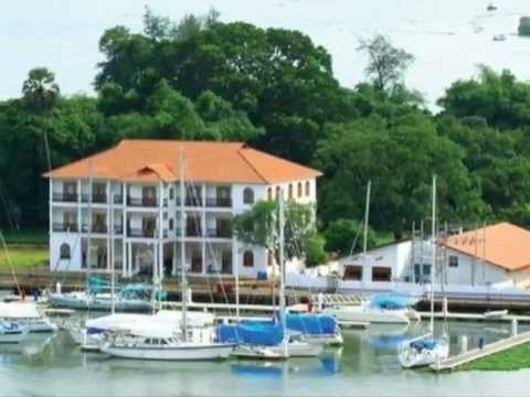 Cochin city:Kochi Marina,the only marina in India
