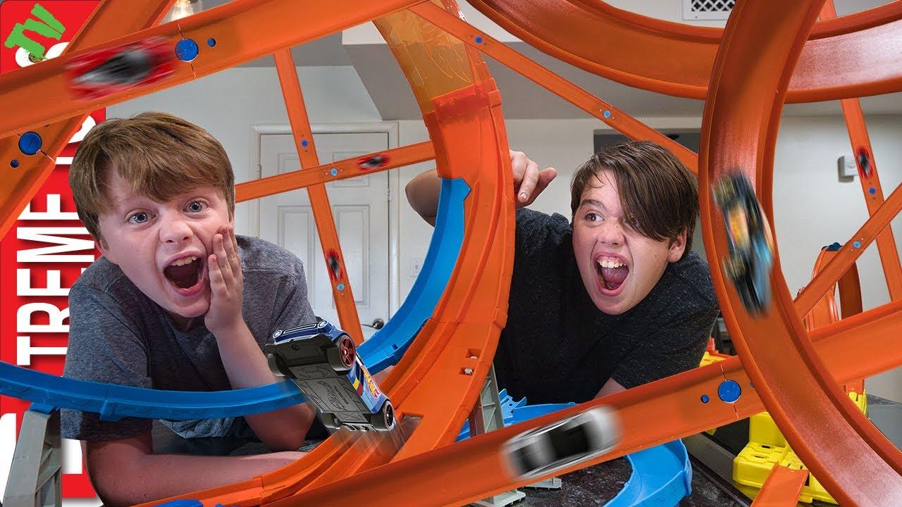 Download Ultimate Hot Wheels Track Challenge! Loop Mayhem!