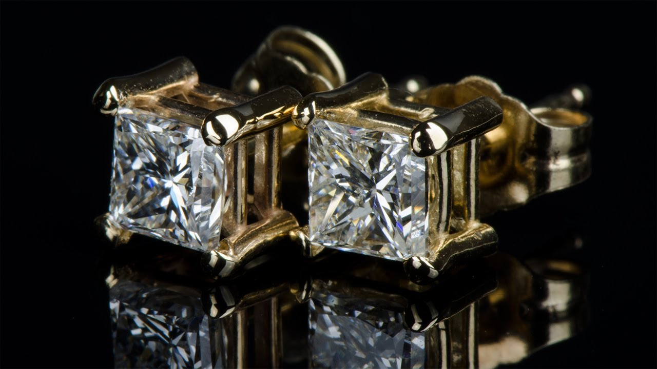 Купить серьги пусеты с бриллиантами ❤ по низкой цене в киеве в магазине zbird ✅пусеты с бриллиантами дешевле на 30% чем в других магазинах✅ доставим сережки гвоздики по киеву и всей украине. Консультация бесплатно ☎ 0-800-752-550.