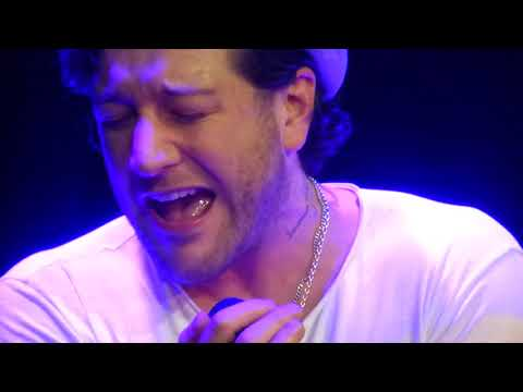 Matt Cardle - The First Time Ever I Saw Your Face - London Hippodrome - 20/12/2017
