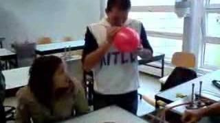 Video Ballon d'hélium download MP3, 3GP, MP4, WEBM, AVI, FLV Desember 2017
