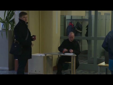 Les bureaux de vote ouvrent pour les législatives finlandaises