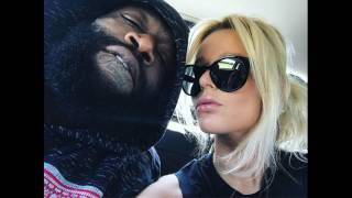 Is #RickRoss engaged to #LizHagelthorn Hot blonde reportedly stole rappers heart! #SWIRLING!