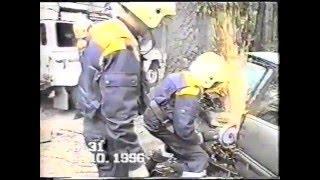 служба спасения 911(Быть спасателем - это призвание. Да и заработки у тех же охранников в крутых фирмах гораздо солиднее. И часто..., 2015-12-26T15:26:31.000Z)