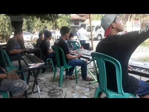 Bidadari Kesleo Njandut_Musisi Klaten Peduli bencana Ngamen bareng