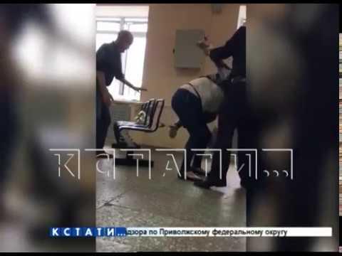 Издевательство полицейского над
