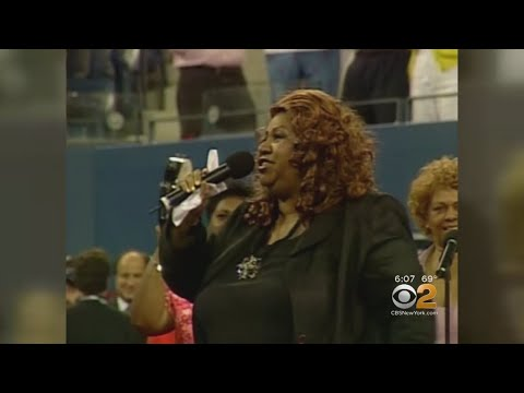 Aretha Franklin Honored At Star-Studded Funeral Mp3