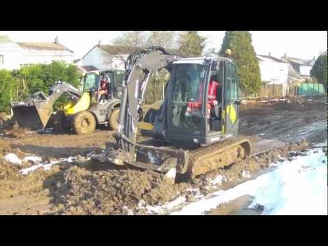 Mecalac 8MCR et AS900 Chantier Travaux Publics conditions extrêmes HD