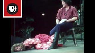 Raúl Juliá and Meryl Streep Go Head-to-Head