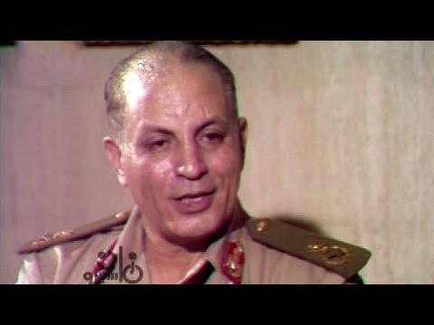 لقاء نادر للمشير أبو غزالة مع حلمي البلك كاملاً thumbnail