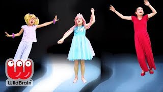 Trapped Inside The TV! 📺 Malice's Magic Trick - Princesses In Real Life | WildBrain Kiddyzuzaa