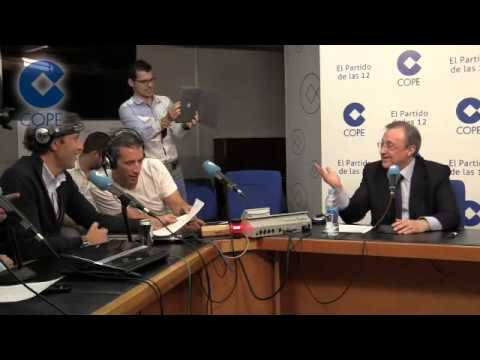 "Florentino Perez singing ""Hala Madrid y nada mas"" at Radio COPE"