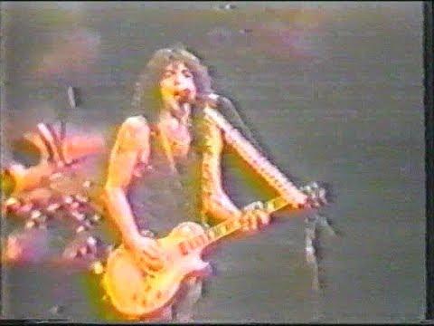 KISS - New World Music Theatre, Tinley Park (3rd June 1990)
