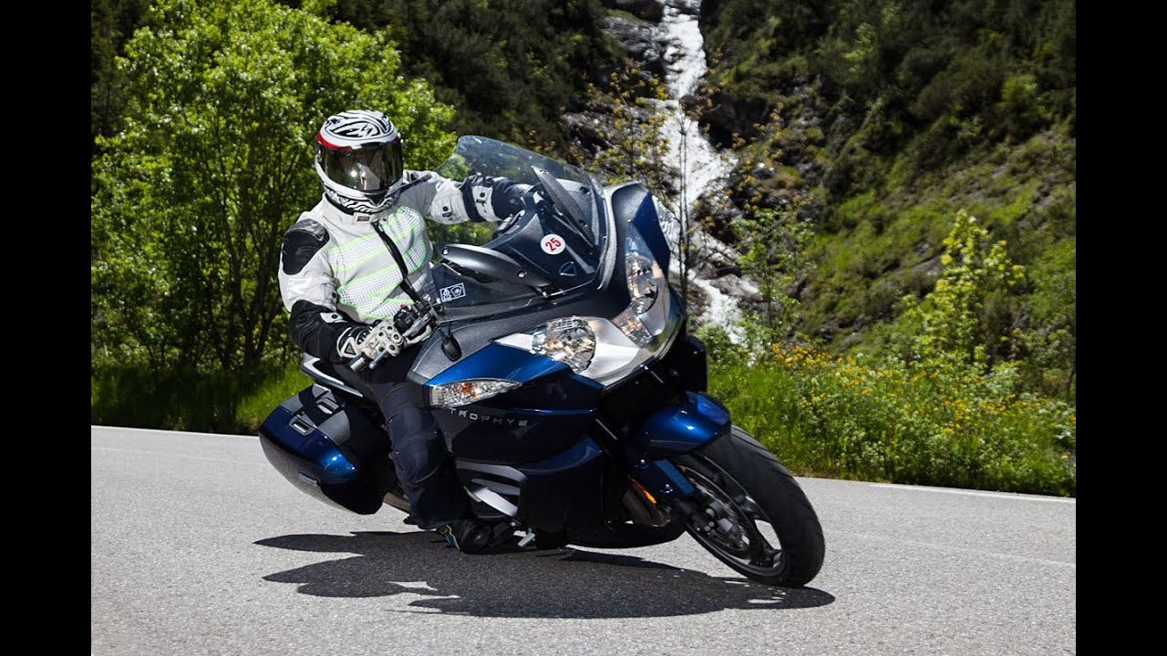 triumph trophy se - test in den alpen - youtube