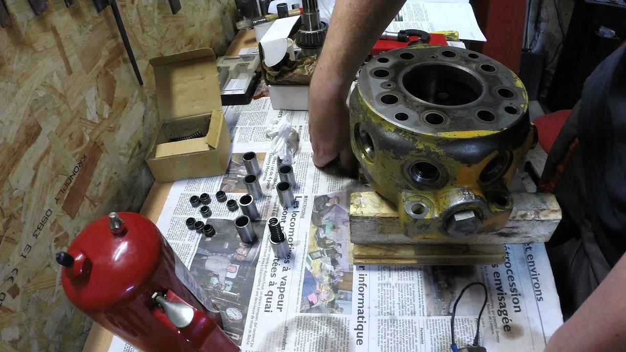 restauration d 39 une pompe hydraulique de tractopelle john deere jd410 partie 2 youtube. Black Bedroom Furniture Sets. Home Design Ideas