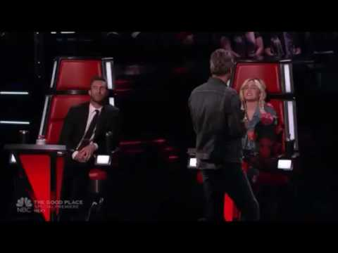 Miley Cyrus & Adam Levine singing Honey Bee  Blake Shelton on The Voice