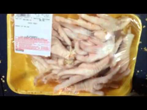 dog-has-arthritis..-raw-chicken-feet-high-in-glucosamine-chondroitin