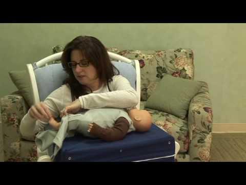 How to Breastfeed : Keeping Sleepy Babies Awake for Breastfeeding