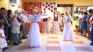 выход жениха и невесты на казахской свадьбе оригинальный выход жениха и невесты