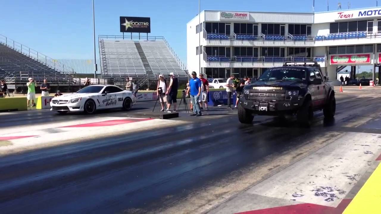 SL63 AMG vs. Team Zomb...