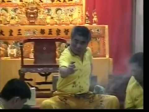 新加坡三皇五帝乩童 Festival 2003 Part1