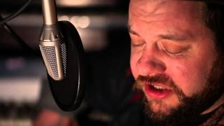Смотреть клип Nathaniel Rateliff - Closer