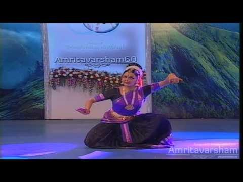 ManikyaVeenam UpalalayantheemDance by Manju Warrier @ Amritavarsham60