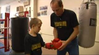 Youth Boxing Gear: Bag Gloves
