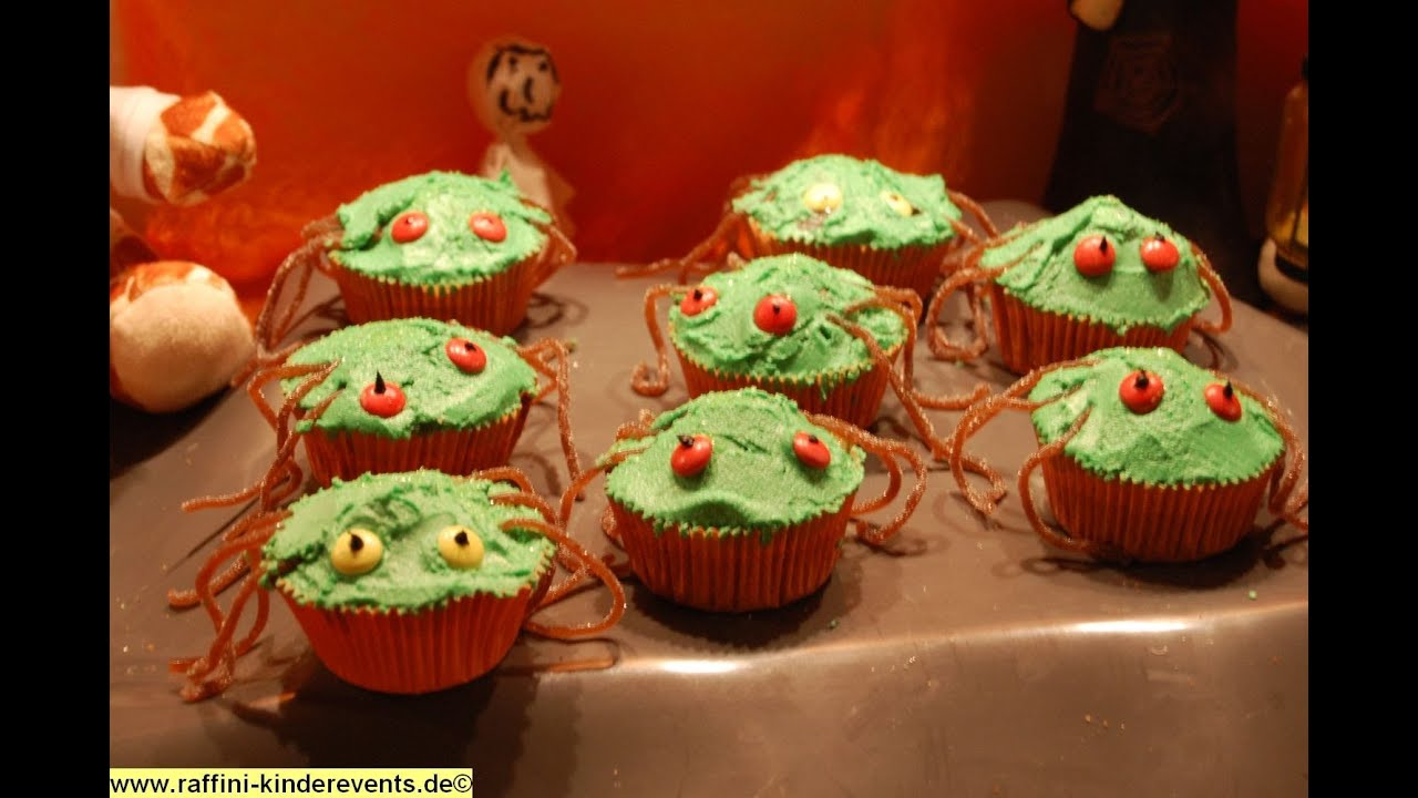 Halloween Backen fuer Kinder Spinnen Muffins  Raffini