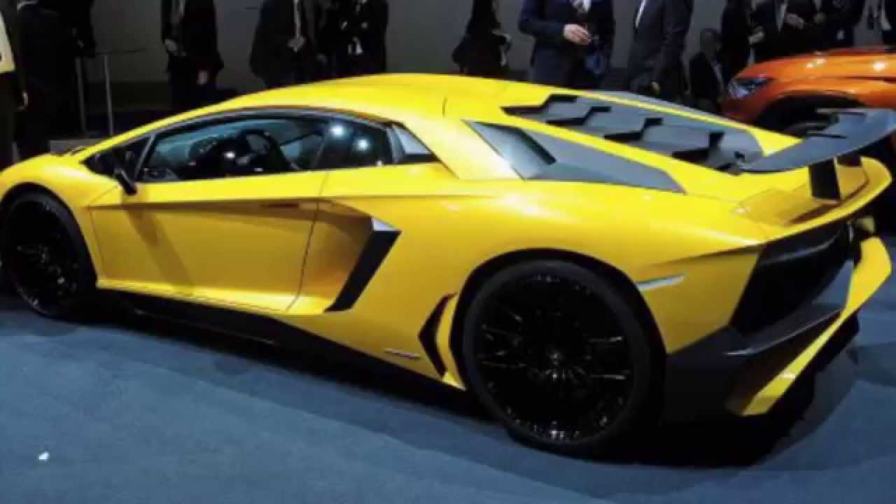 2015 BMW i8 vs 2016 Lamborghini Aventador SV - YouTube