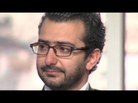 الشاعر هشام الجخ - يبكي والدته في قصيدة