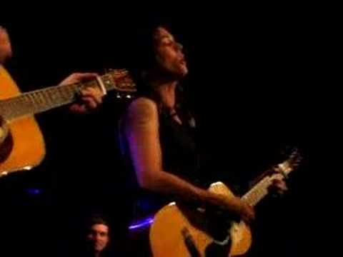 brandi-carlile-the-story-acoustic-sydney-linda-granath