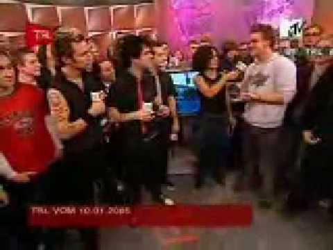 gay armstrong kiss joe Billie
