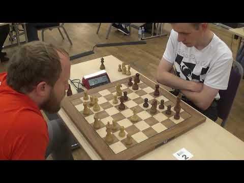 Effective long term sacrifice: Khismatullin - Navara, English opening blitz chess