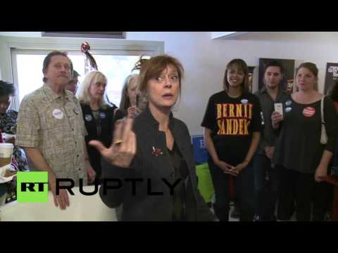 USA: Susan Sarandon and Connor Paolo get behind Bernie ahead of Nevada primaries