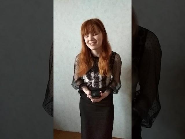Изображение предпросмотра прочтения – АнастасияБугаева читает произведение «Вчера еще в глаза глядел...» М.И.Цветаевой