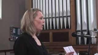 Jean Elliott Murphy sings