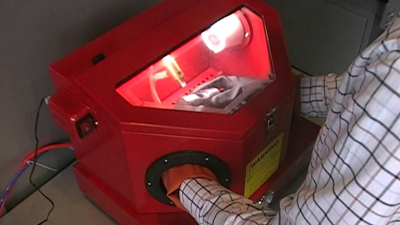 mini cabine de sablage acsb 4223 opti machines youtube. Black Bedroom Furniture Sets. Home Design Ideas