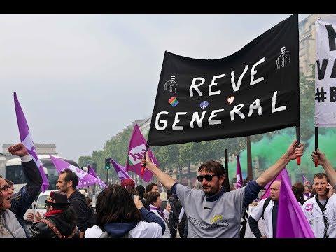 Paris : marche surprise du secteur santé sur les Champs-Élysées