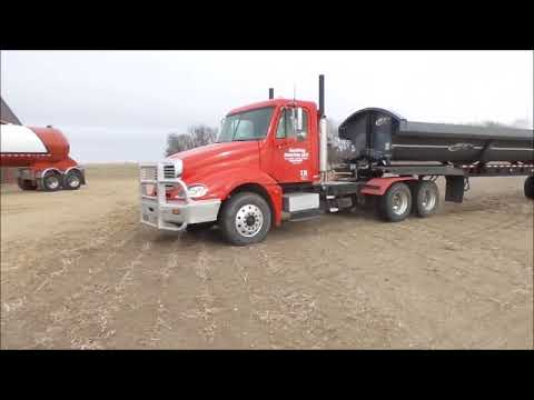 2006 Freightliner Columbia semi truck for sale | no-reserve Internet auction December 28, 2017