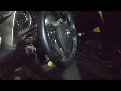 Toyota RAV4  (Тойота Рав4) снятие подушки безопасности