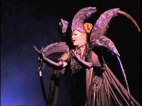The Magic Flute - Queen of the night 1st aria.wmv
