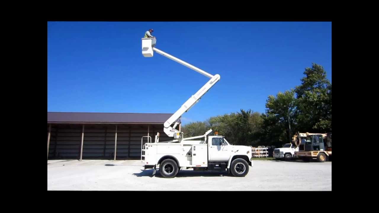 1986 GMC Topkick 7000 bucket truck for sale | sold at auction ...