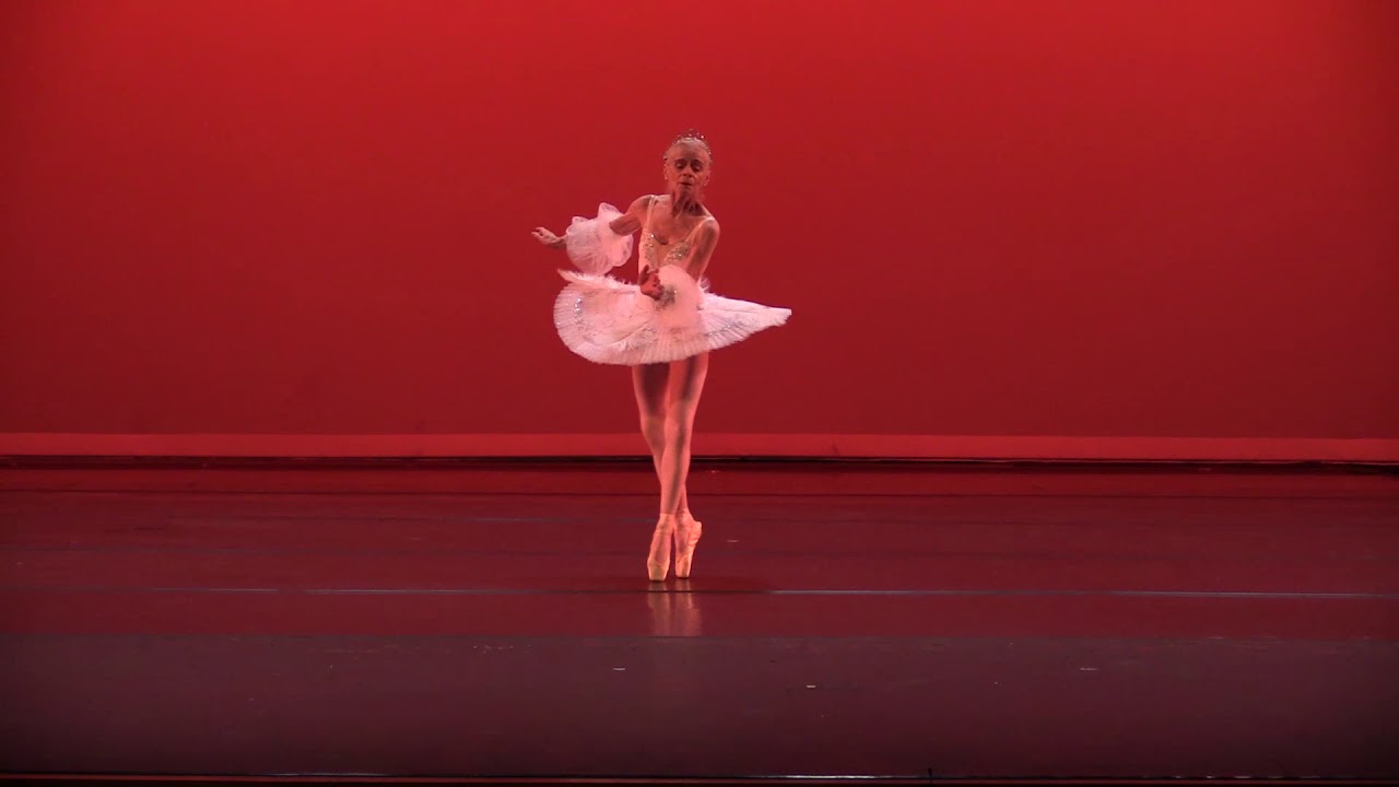 100-year-old ballerina performs final routine