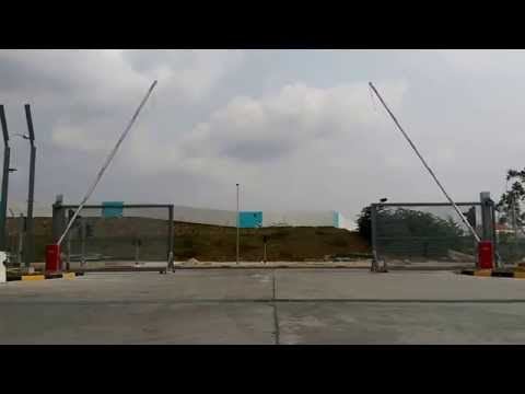 FAAC B680H barrier system - with 8 metres beam